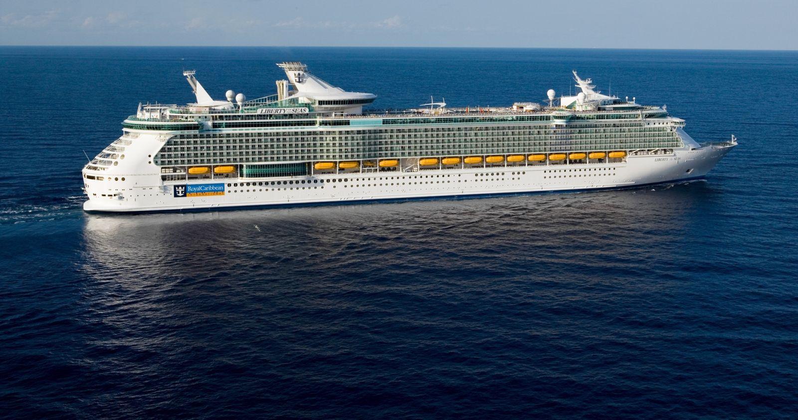 Liberty Of The Seas At Sea Liberty Of The Seas Royal Caribbean International Rejsy